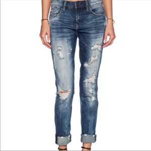 BlankNYC Tomboy Distressed Busted Knee Jeans 27